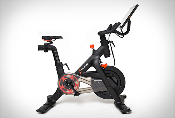 Peloton the only indoor exercise bike with live for Indoor cycle design