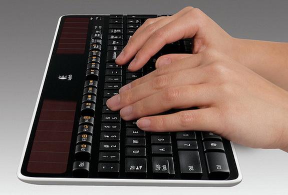 Logitech Wireless Solar Keyboard K750