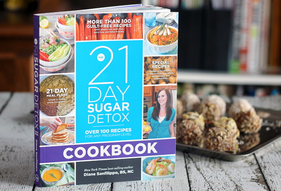 The 21-Day Sugar Detox - Complete Guide For bust your sugar and carb cravings